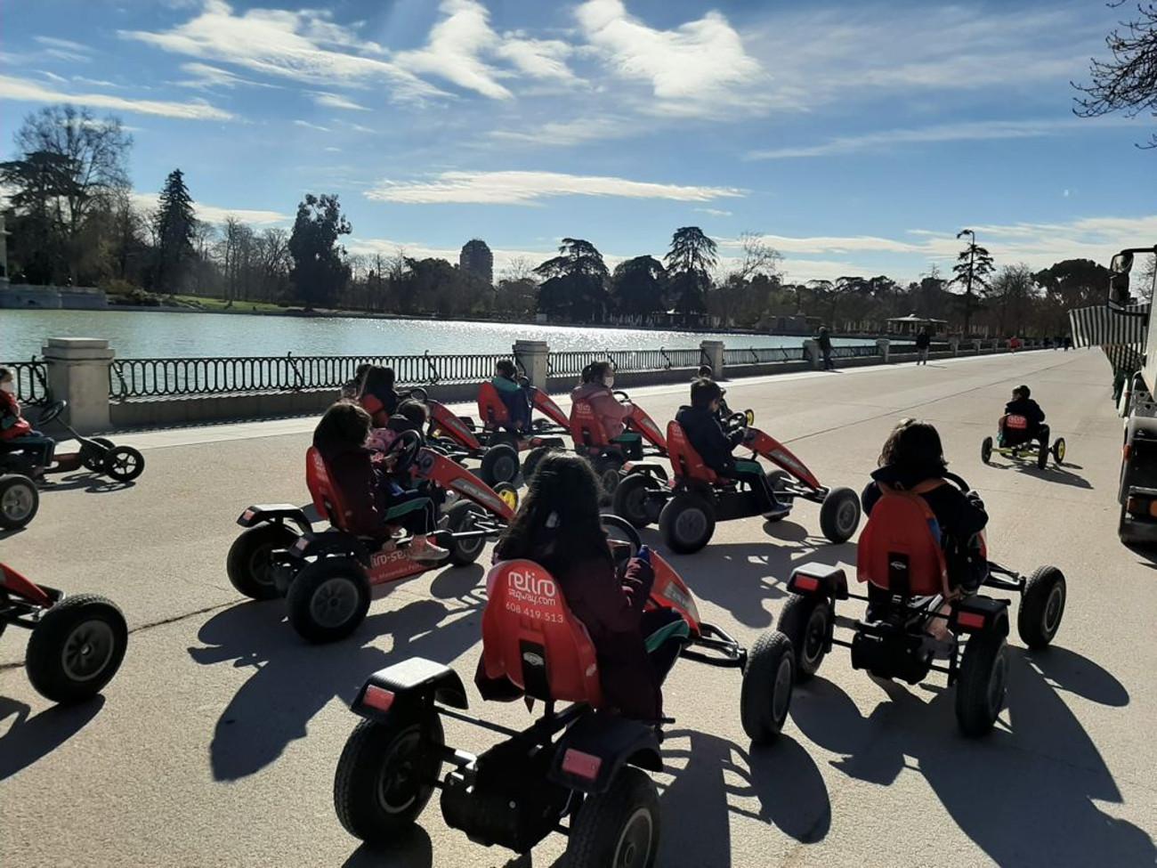 Alquiler de karts a pedales en el Parque del Retiro | Retiro Magic