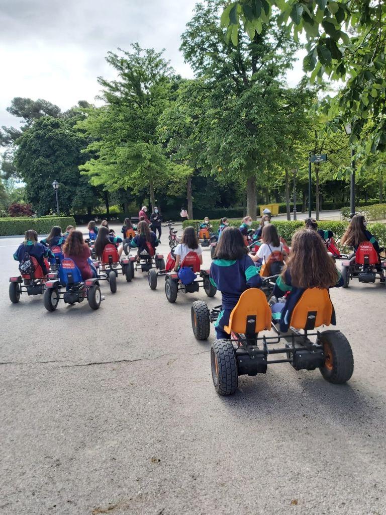 Alquiler karts a pedales en Madrid Retiro | Retiro Magic